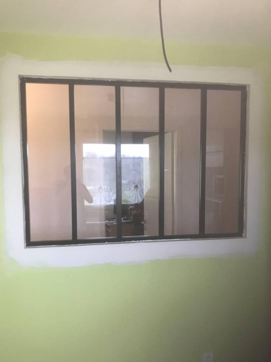 sp cialiste pour la pose de verri res sur mur en placo. Black Bedroom Furniture Sets. Home Design Ideas